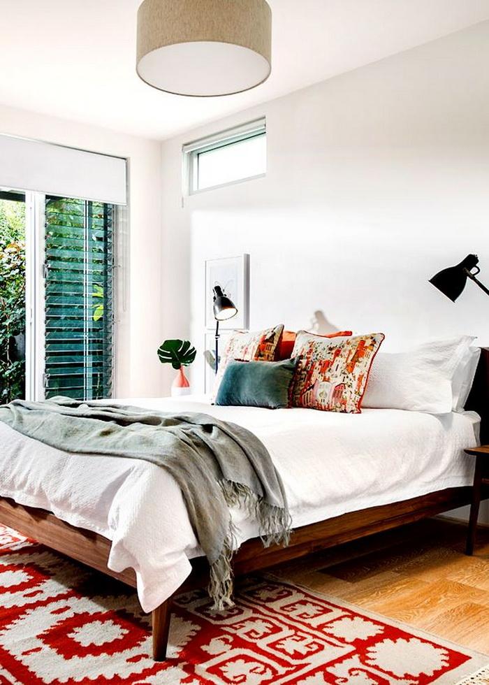 Спальня в  цветах:   Белый, Светло-серый, Темно-коричневый, Черный.  Спальня в  стиле:   Минимализм.