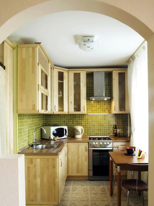 Кухня/столовая в  цветах:   Бежевый, Белый, Светло-серый, Темно-зеленый.  Кухня/столовая в  стиле:   Минимализм.