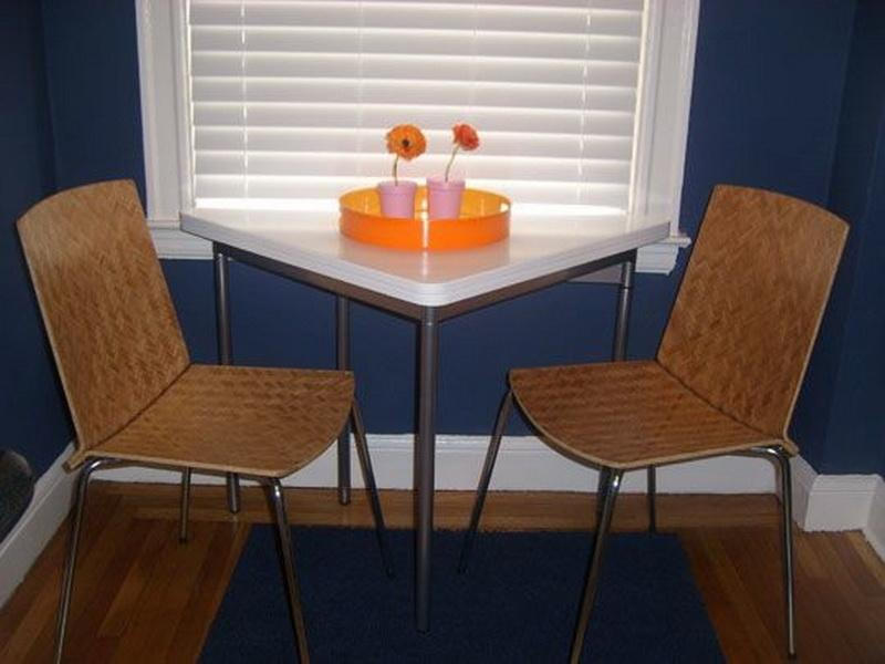 Кухня/столовая в  цветах:   Коричневый, Серый, Синий, Черный.  Кухня/столовая в  стиле:   Минимализм.