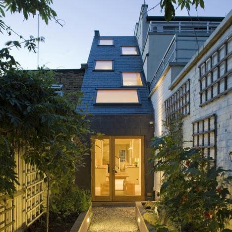 Архитектура в  цветах:   Белый, Синий, Темно-зеленый, Черный.  Архитектура в  .
