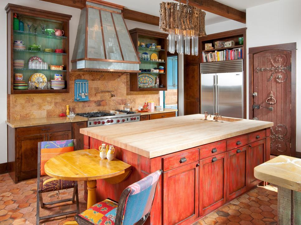Кухня/столовая в  цветах:   Коричневый, Светло-серый, Серый, Темно-зеленый.  Кухня/столовая в  стиле:   Прованс.