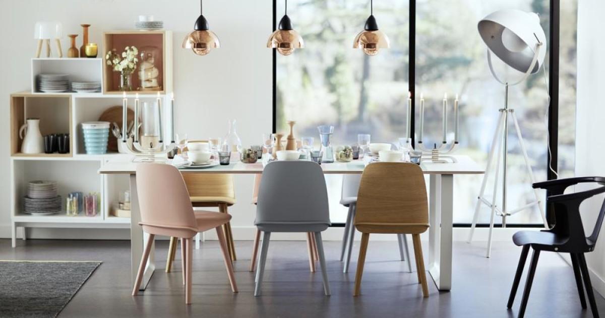 Как правильно сочетать разные стулья в одном интерьере: 10 правил