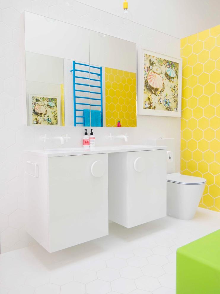в  цветах:   Белый, Желтый, Лимонный, Салатовый.  в  .