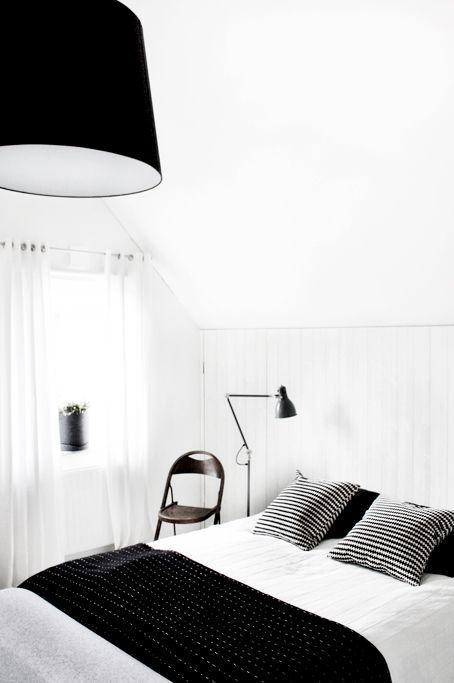 Спальня в  цветах:   Белый, Черный.  Спальня в  стиле:   Скандинавский.