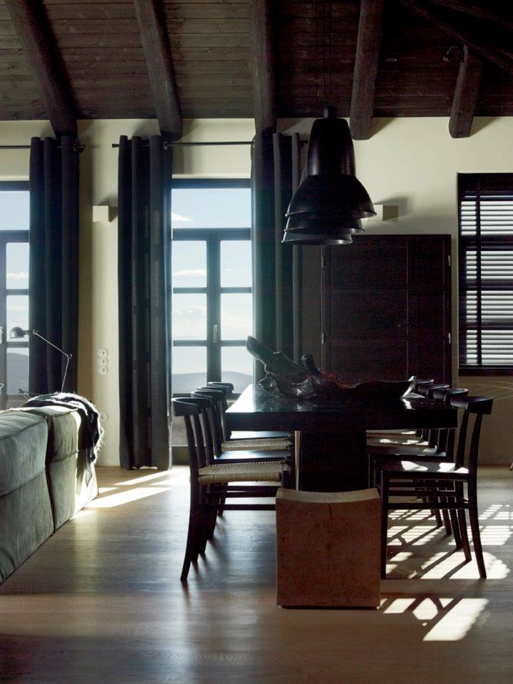 Кухня/столовая в  цветах:   Бежевый, Серый, Темно-коричневый, Черный.  Кухня/столовая в  стиле:   Лофт.