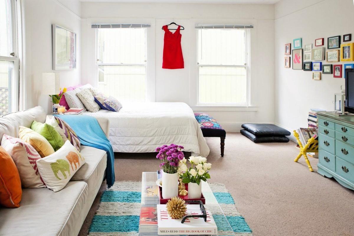 Гостиная, холл в цветах: бирюзовый, серый, светло-серый. Гостиная, холл в стиле эклектика.