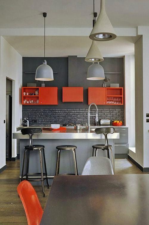 Кухня в цветах: черный, серый, бордовый, коричневый. Кухня в .