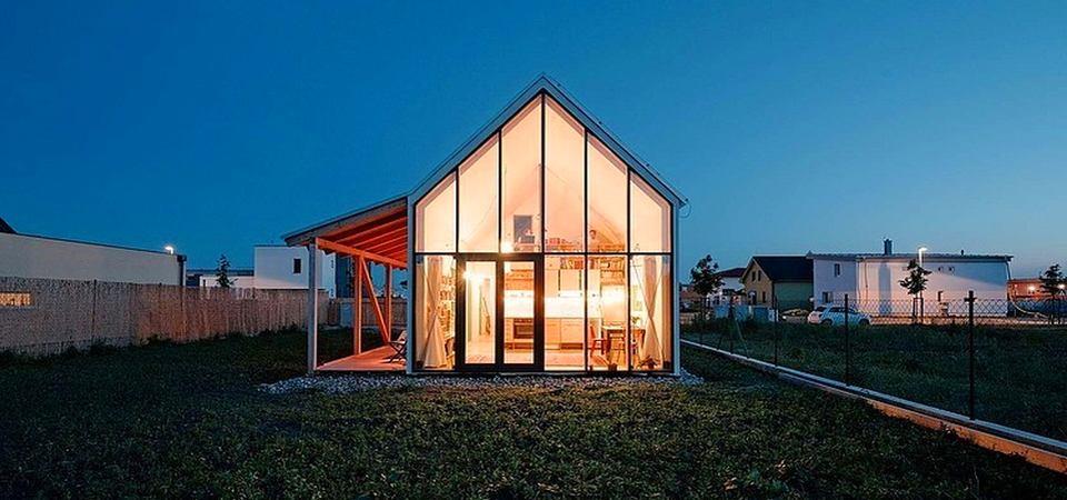 Стильный домик для маленькой дачи