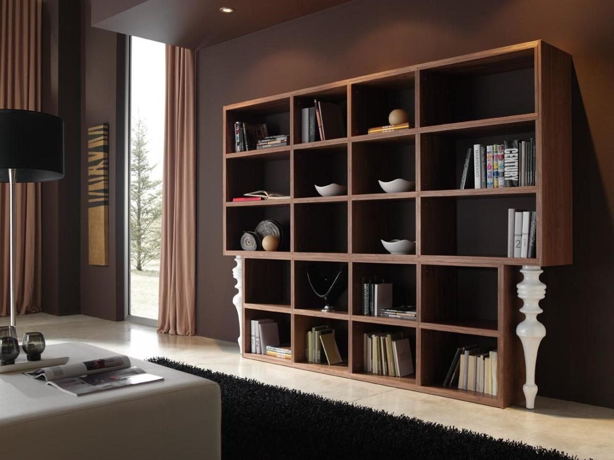 Мебель и предметы интерьера в цветах: черный, темно-коричневый, коричневый, бежевый. Мебель и предметы интерьера в стиле классика.