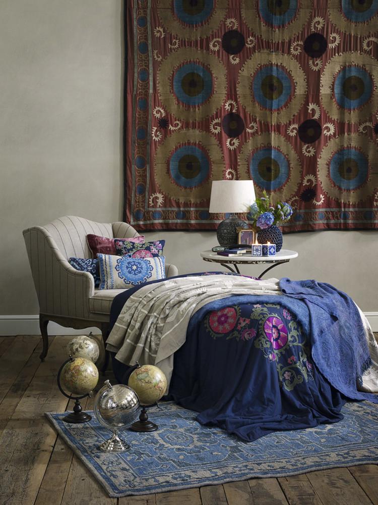в цветах: фиолетовый, черный, серый, светло-серый.  в стилях: кантри, американский стиль, этника.