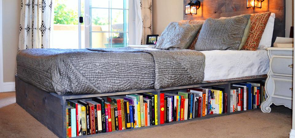Под кроватью: 5 советов и 25 примеров хранения вещей