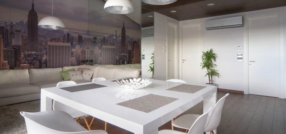 Как увеличить квартиру при помощи цвета и света: пример из Сербии
