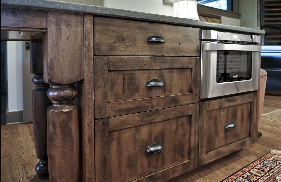 Кухня в цветах: черный, серый, светло-серый, коричневый. Кухня в стилях: лофт, кантри.