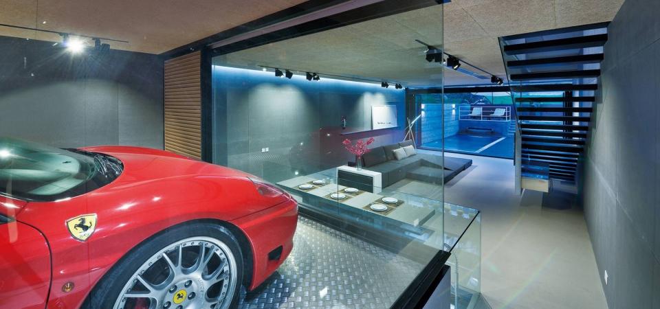 Дом с Ferrari: как сделать машину частью интерьера