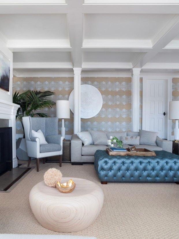 Гостиная, холл в цветах: голубой, бирюзовый, черный, серый. Гостиная, холл в стиле эклектика.