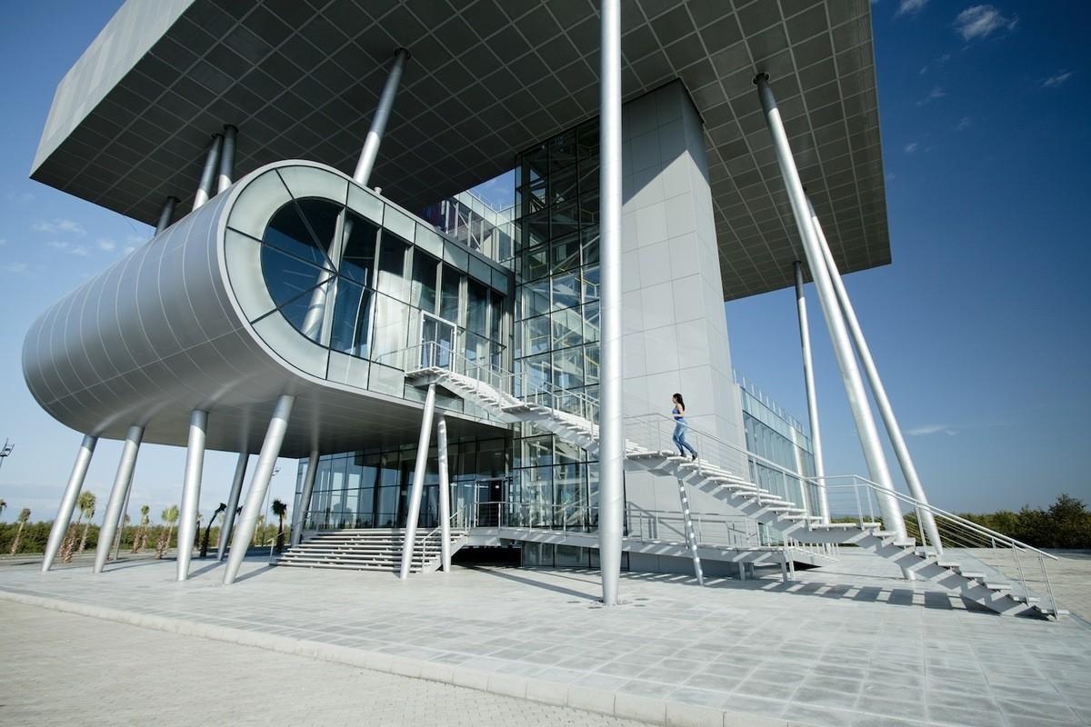 Архитектура в цветах: бирюзовый, черный, серый, светло-серый. Архитектура в стиле модерн и ар-нуво.