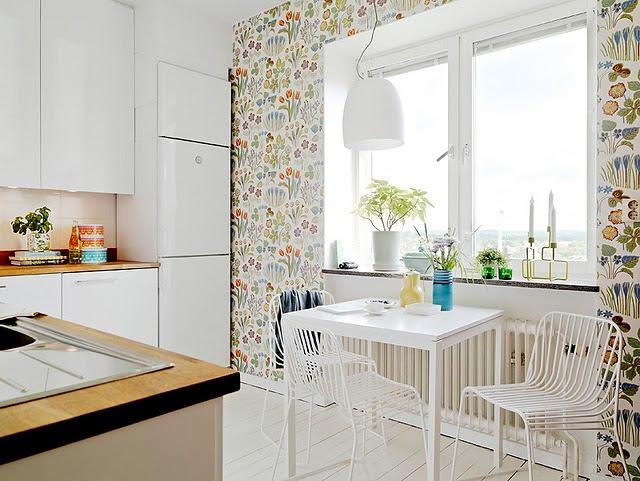 Кухня в цветах: серый, светло-серый, белый, бежевый. Кухня в стилях: классика.