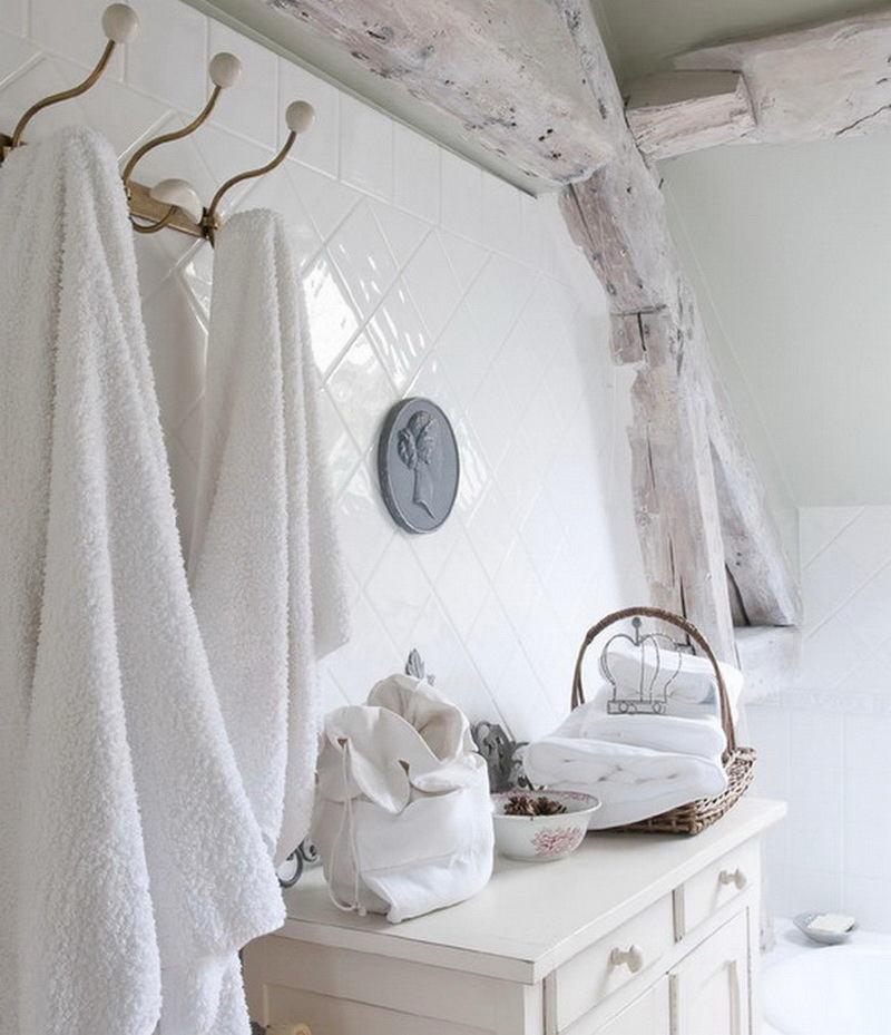 Ванная в цветах: серый, светло-серый, белый, бежевый. Ванная в стиле французские стили.