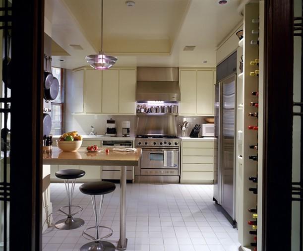 Кухня в цветах: серый, светло-серый, бежевый. Кухня в стиле минимализм.