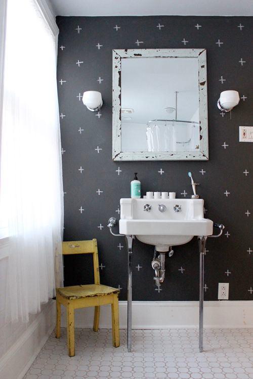 Ванная в цветах: черный, серый, белый, бежевый. Ванная в стилях: кантри.