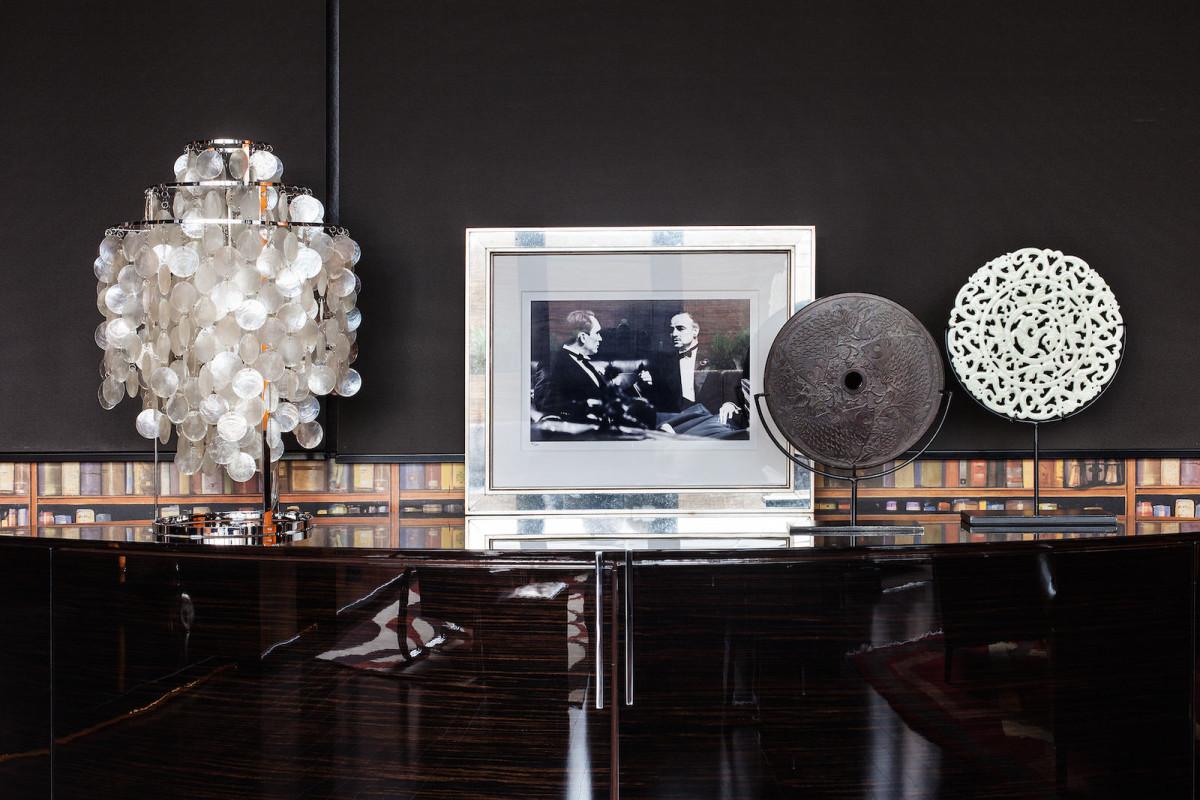 Мебель и предметы интерьера в цветах: черный, белый, бежевый. Мебель и предметы интерьера в стиле арт-деко.