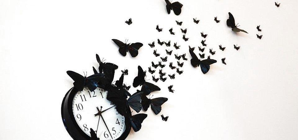 Эффект чёрной бабочки: декор часов своими руками. Мастер-класс