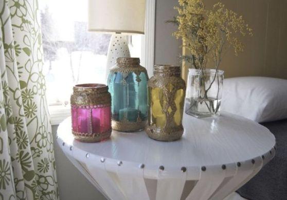 Мебель и предметы интерьера в цветах: светло-серый, белый, бежевый. Мебель и предметы интерьера в стиле этника.