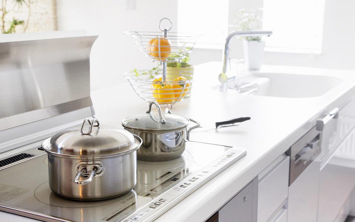 Кухня в цветах: желтый, серый, светло-серый. Кухня в .