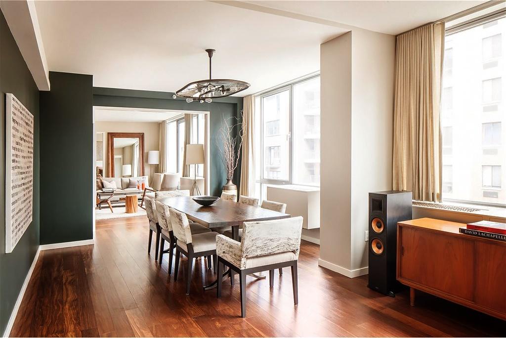 Гостиная, холл в цветах: черный, белый, коричневый, бежевый. Гостиная, холл в стиле лофт.