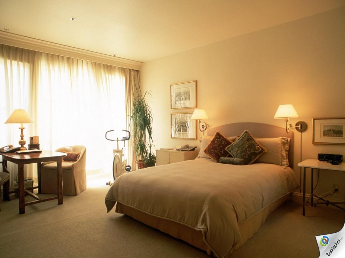 Спальня в цветах: светло-серый, белый, темно-зеленый, коричневый, бежевый. Спальня в .
