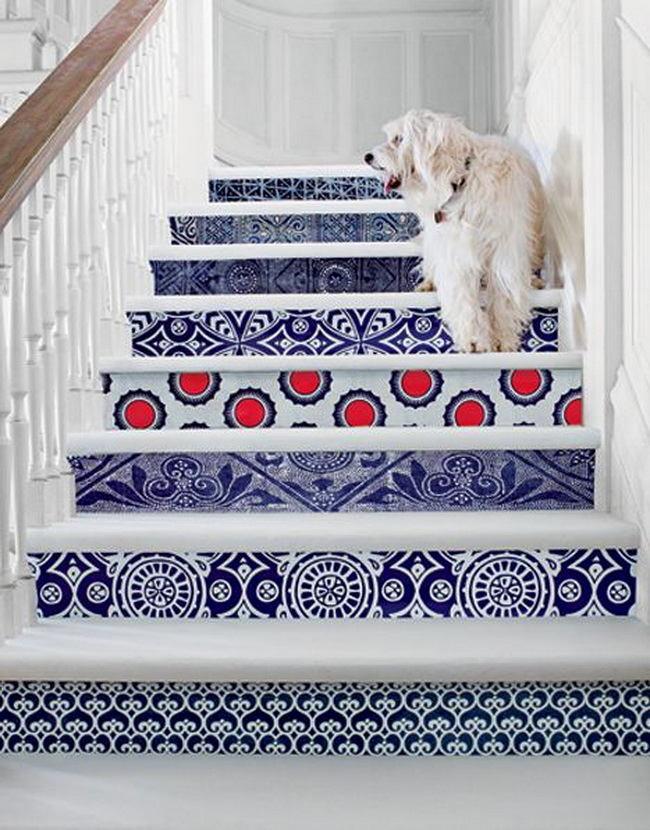 Лестница в цветах: фиолетовый, серый, светло-серый, белый. Лестница в .