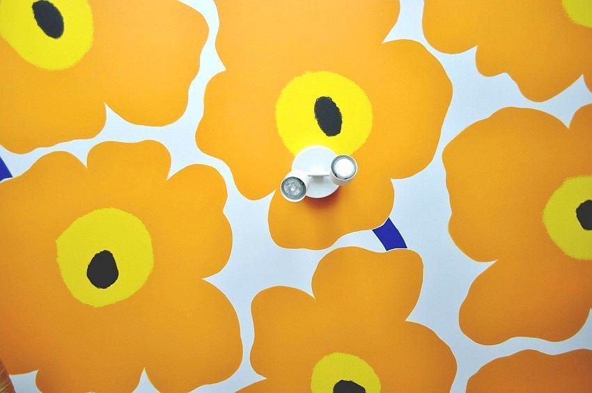 Декор в цветах: оранжевый, желтый, бежевый. Декор в стиле лофт.