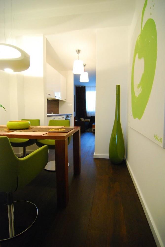 Мебель и предметы интерьера в цветах: белый, салатовый, темно-коричневый, коричневый. Мебель и предметы интерьера в стилях: минимализм.