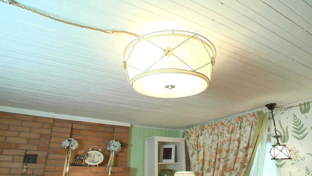 Гостиная, холл в цветах: белый, салатовый, коричневый, бежевый. Гостиная, холл в стиле прованс.