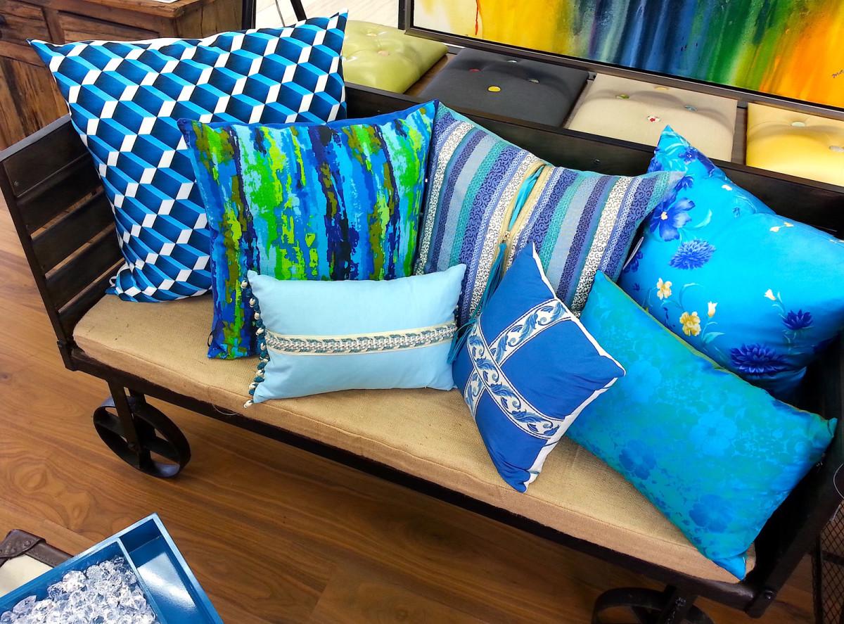 Мебель и предметы интерьера в цветах: бирюзовый, коричневый, бежевый. Мебель и предметы интерьера в стиле лофт.