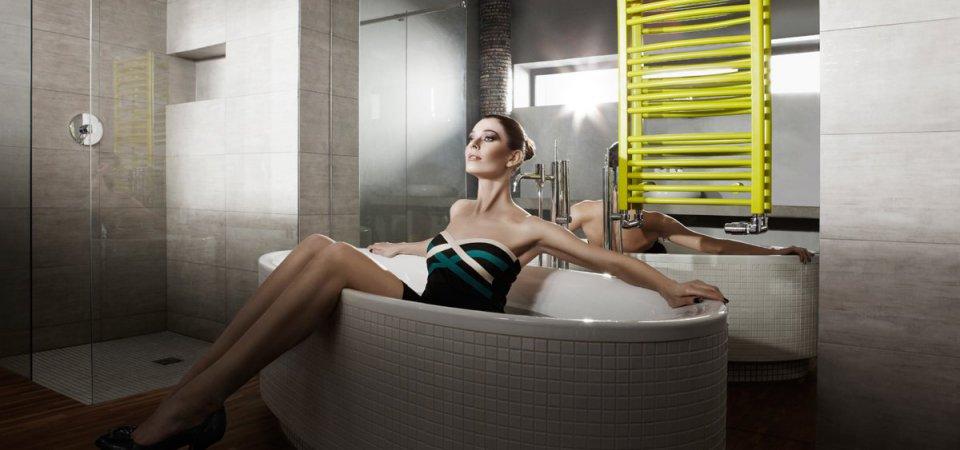 Как может преобразить ванную полотенцесушитель: 20 самых популярных моделей