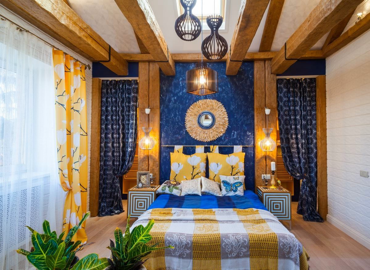 Спальня в цветах: черный, серый, белый, коричневый, бежевый. Спальня в стилях: этника, экологический стиль, эклектика.