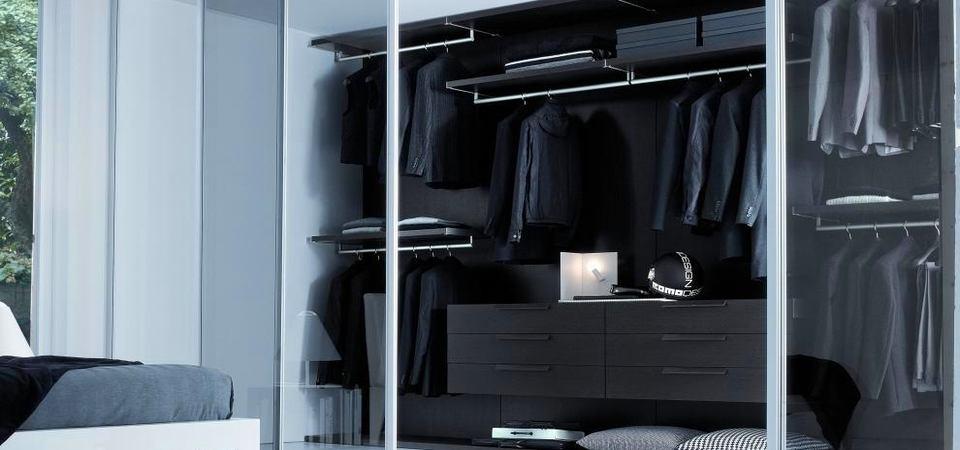 Как обустроить гардероб для мужчины: 10 примеров и 30 идей