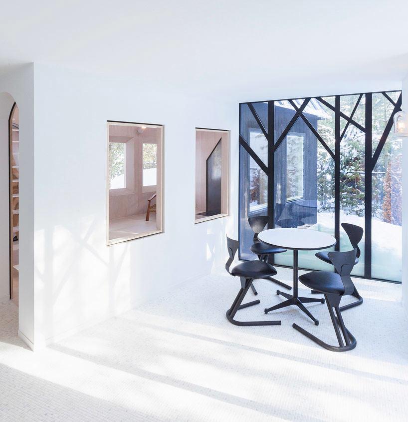 Мебель и предметы интерьера в цветах: фиолетовый, серый, белый. Мебель и предметы интерьера в стиле минимализм.