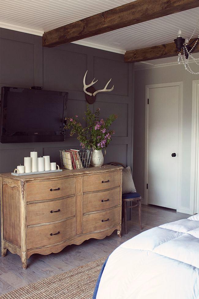 Мебель и предметы интерьера в цветах: черный, серый, светло-серый, белый, бежевый. Мебель и предметы интерьера в стиле кантри.