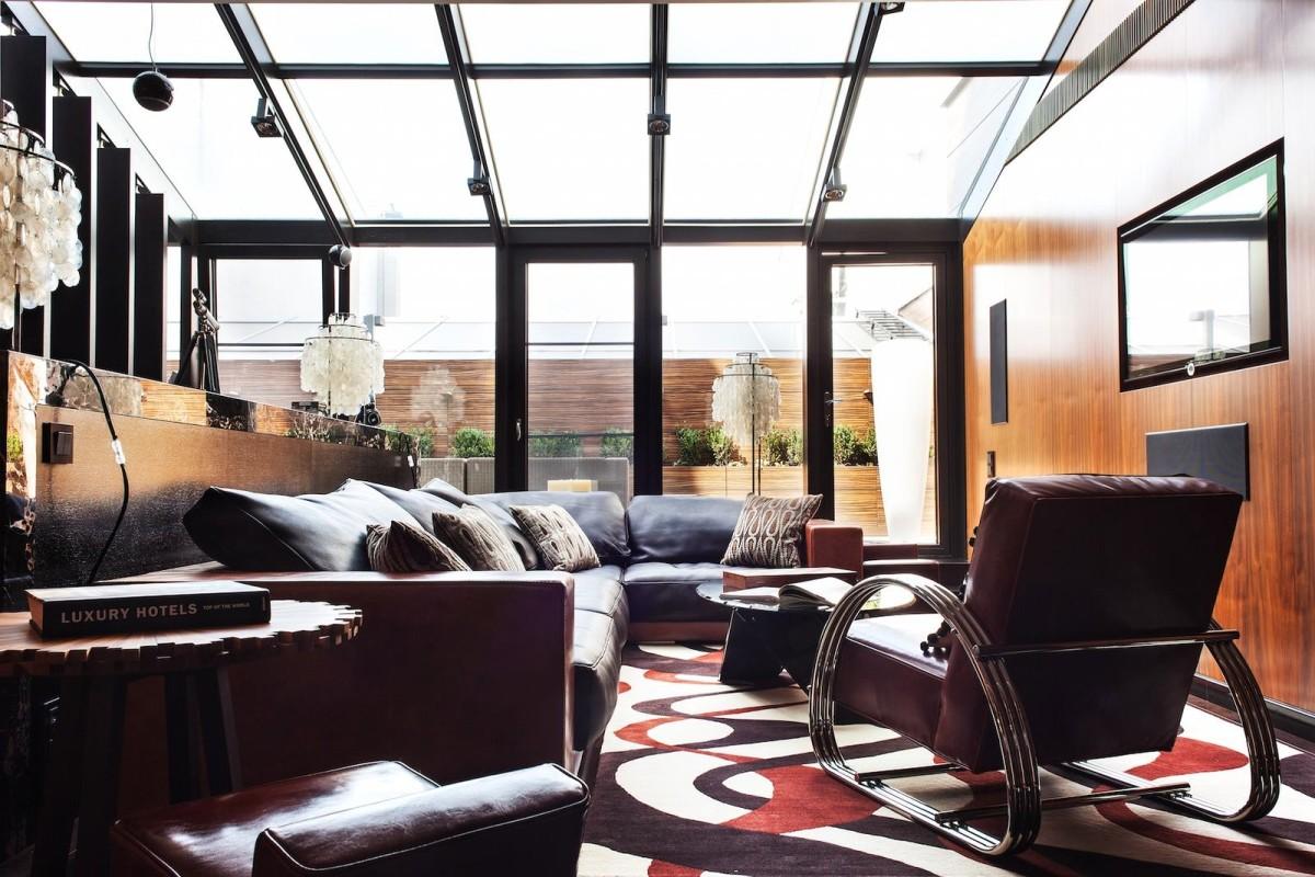 Гостиная, холл в цветах: черный, темно-коричневый, коричневый, бежевый. Гостиная, холл в стиле арт-деко.
