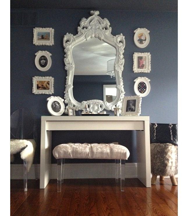 Мебель и предметы интерьера в цветах: черный, серый, светло-серый, сиреневый. Мебель и предметы интерьера в .