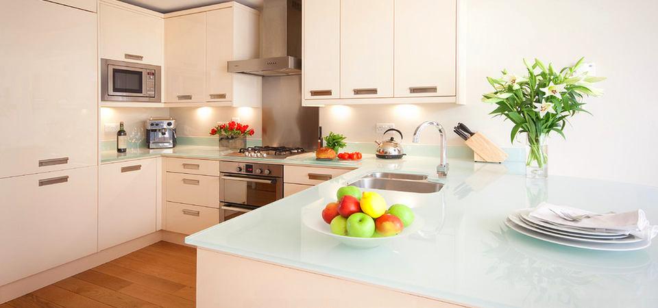 Из чего сделать кухонную столешницу: 6 материалов и их плюсы и минусы
