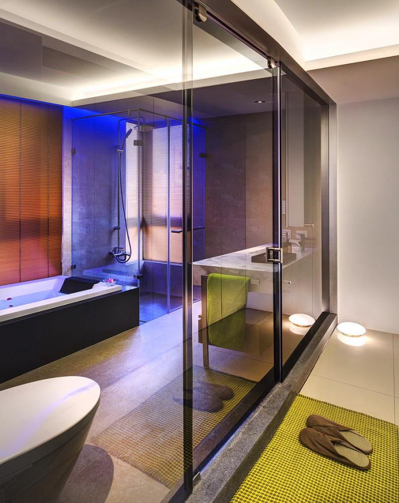 Ванная в цветах: серый, светло-серый, коричневый, бежевый. Ванная в .