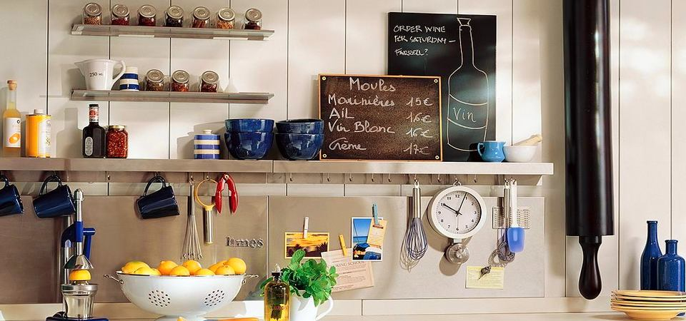 Как разместить всё необходимое на маленькой кухне: 25 дизайнхаков