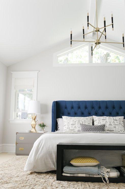 Спальня в  цветах:   Бежевый, Белый, Светло-серый, Серый, Черный.  Спальня в  стиле:   Арт-деко.