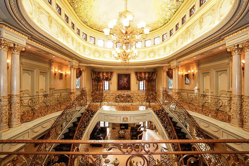 Дом-дворец, на который стоит посмотреть хотя бы ради огромной кухни