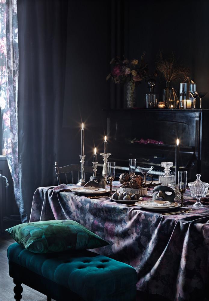 Кухня/столовая в  цветах:   Светло-серый, Серый, Синий, Черный.  Кухня/столовая в  стиле:   Эклектика.
