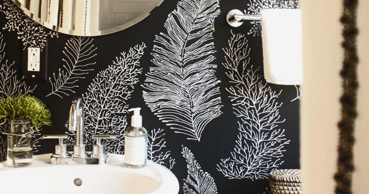 Чёрный цвет в ванных комнатах? Да, эти 10 вас точно очаруют