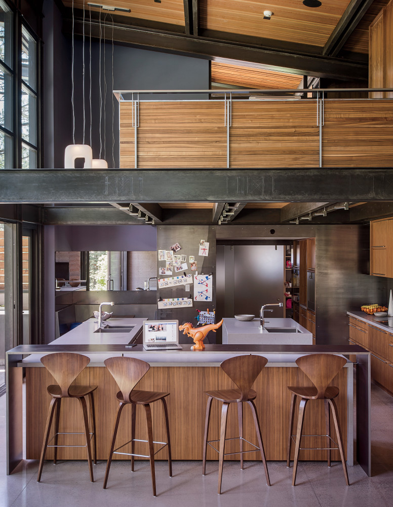 Кухня/столовая в  цветах:   Бежевый, Коричневый, Серый, Темно-коричневый, Черный.  Кухня/столовая в  стиле:   Лофт.